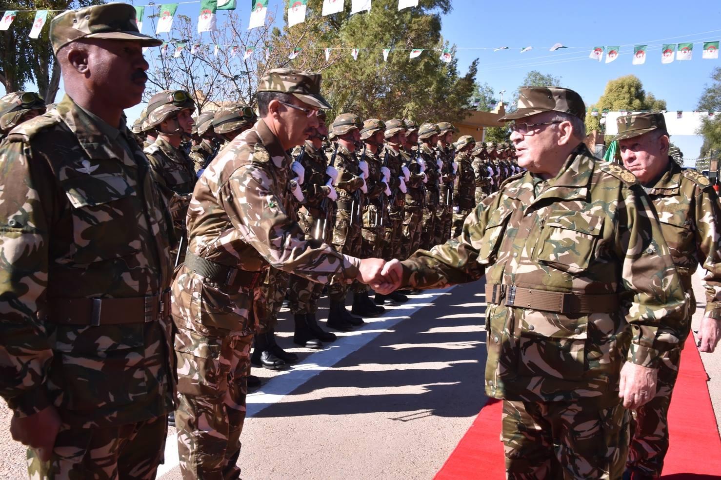الجزائر : صلاحيات نائب وزير الدفاع الوطني - صفحة 5 30879945085_43e5ecd4d8_o