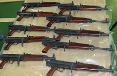 machine gun(0.0), weapon(1.0), shotgun(1.0), rifle(1.0), firearm(1.0), gun(1.0), gun barrel(1.0),