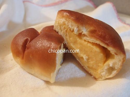ベッカライブロートハイムクリームパン中身写真画像