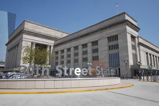土, 2015-09-05 12:42 - Philadelphia 30th Street Station