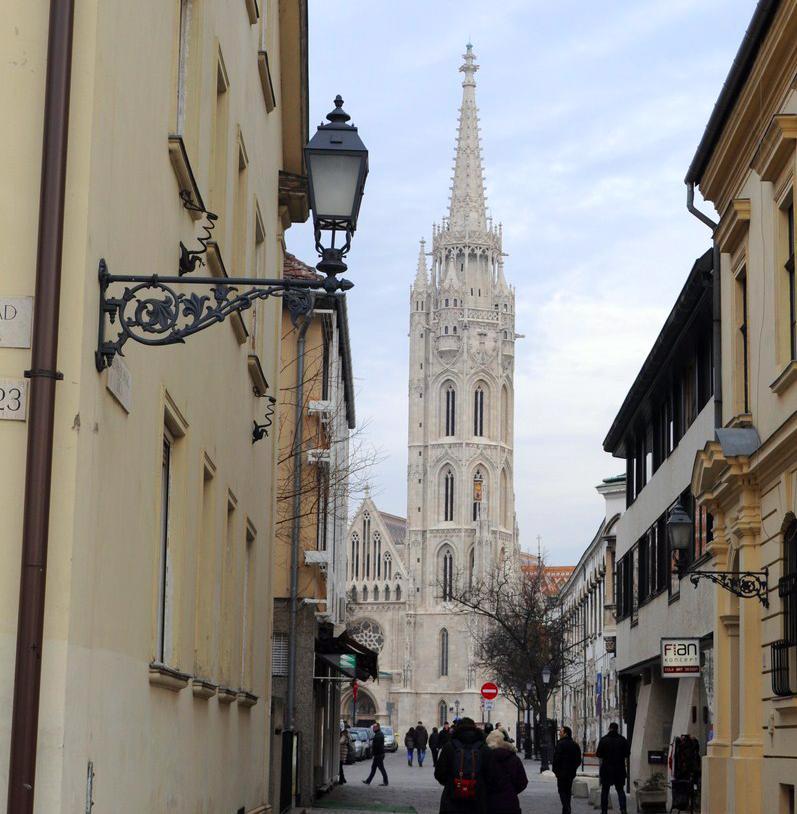 Qué ver en Budapest en un fin de semana: Torre de San Matías en Budapest budapest en un fin de semana - 21235364399 a4e5443430 o - Qué ver en Budapest en un fin de semana
