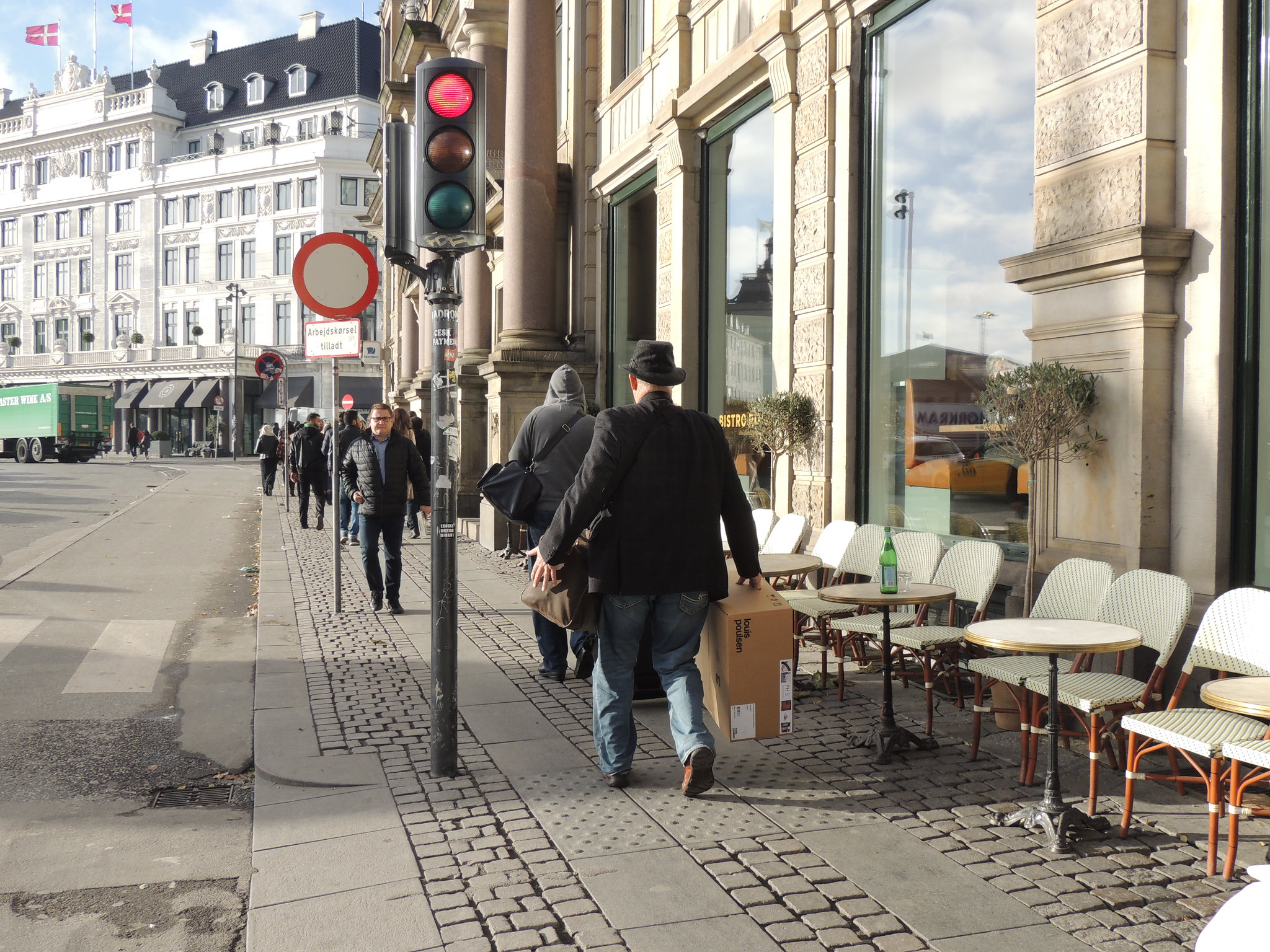 Copenhagen morning shopper
