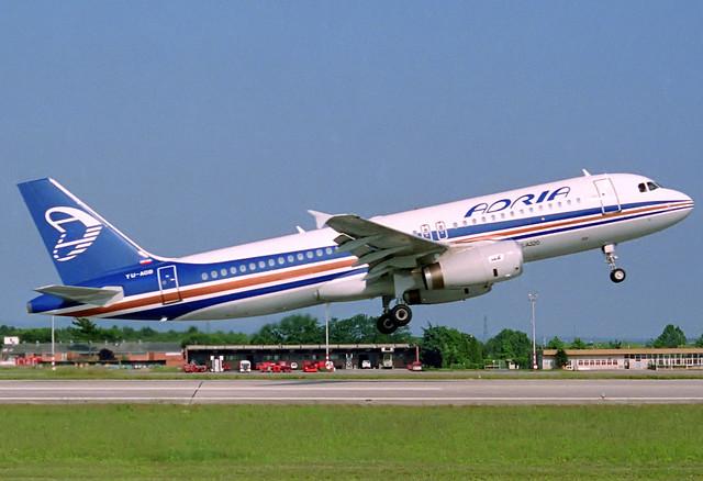 Adria A320-231 YU-AOB GRO 18/06/1990