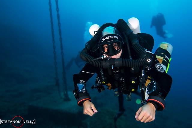 Luca Megalodon CCR Diver