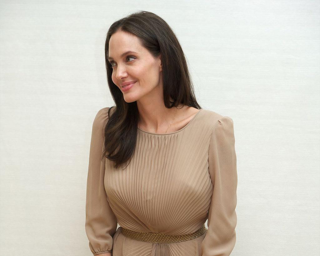 Анджелина Джоли — Пресс-конференция «Лазурный берег» 2015 – 1