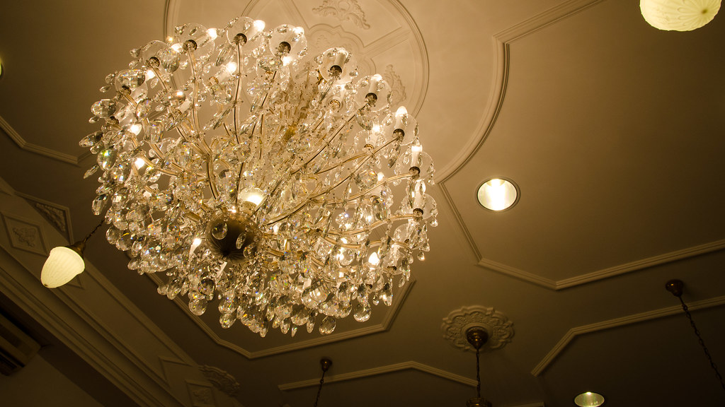 Luxury looking ceiling lights in Pinang Peranakan Mansion