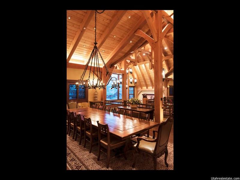 Красивый зал для приема гостей