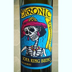 Sometimes you can pick a #tasty #wine by its #killer #label @chroniccellars #SofaKingBueno #redwine🍷 #PasoRobles #winery #vintners 46% #Syrah, 27% #Grenache, 22% #PetiteSirah, 3% #Mourvedre, 2% #Tannat