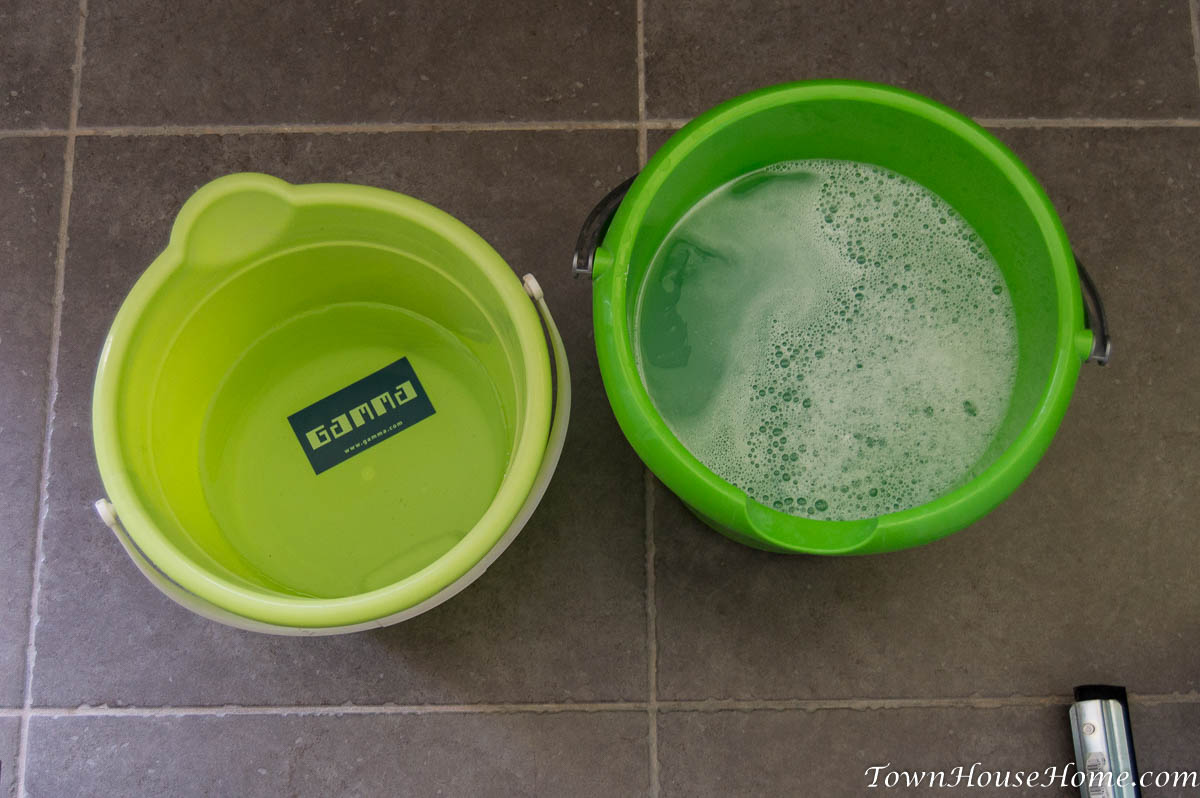 Cleaning with two buckets start