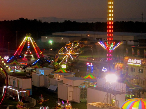 carnival sunset festival night fun lights evening nc dusk northcarolina fair aerial entertainment wilson carnivalrides amusementrides communityevent thrillrides fairrides wilsoncountyfair mechanicalrides bigrockamusements