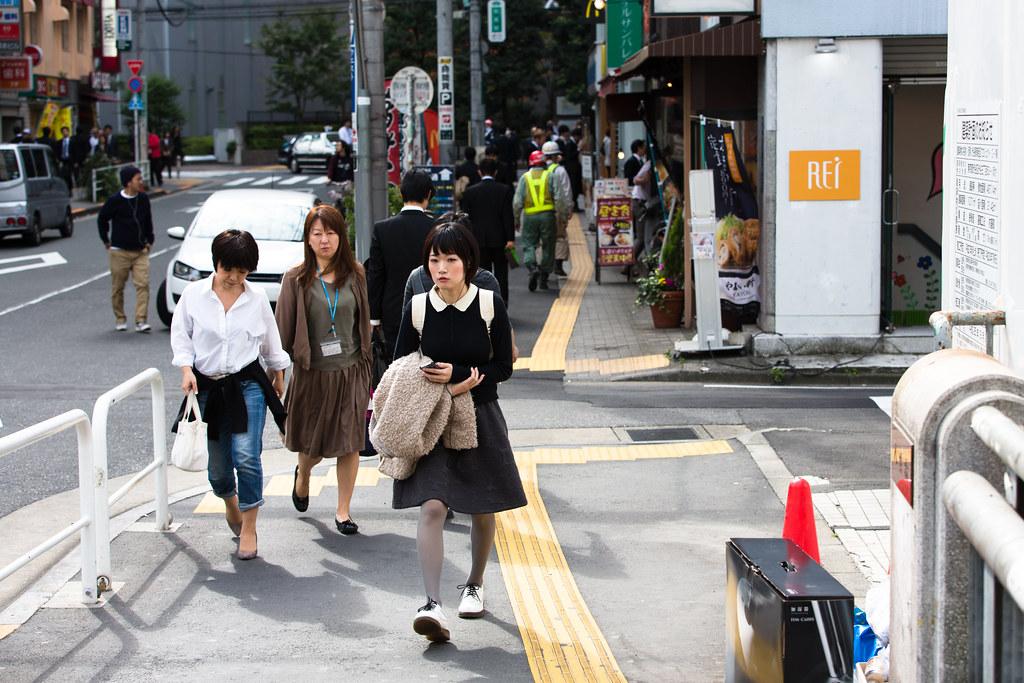 Shibuya 3 Chome, Tokyo, Shibuya-ku, Tokyo Prefecture, Japan, 0.005 sec (1/200), f/5.0, 70 mm, EF70-200mm f/2.8L IS II USM