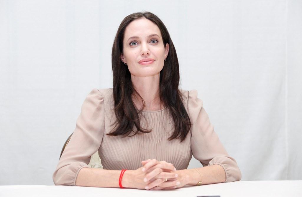 Анджелина Джоли — Пресс-конференция «Лазурный берег» 2015 – 28