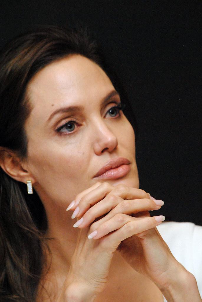 Анджелина Джоли — Пресс-конференция «Несломленный» 2014 – 90