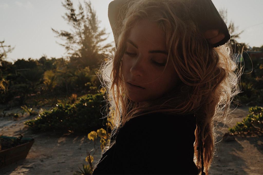 Эшли Бенсон — Фотосессия для «Find Your California» 2015 – 5