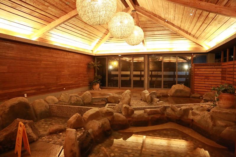 室內大眾湯池