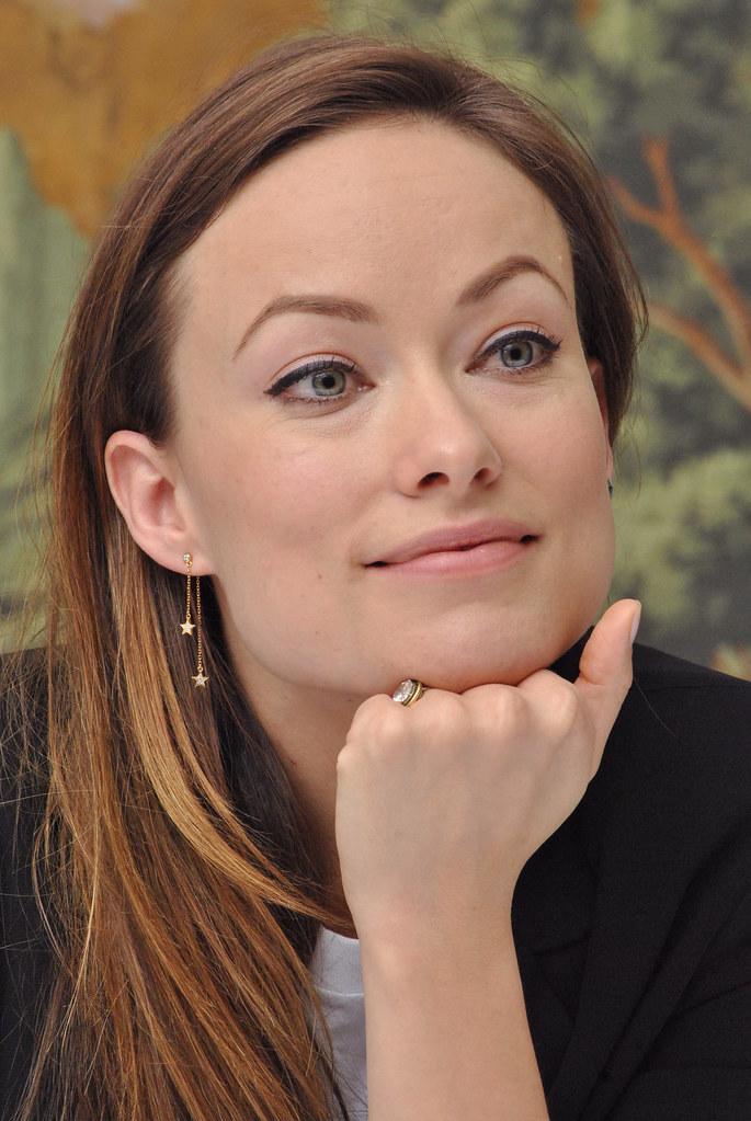 Оливия Уайлд — Пресс-конференция «Винил» 2015 – 45
