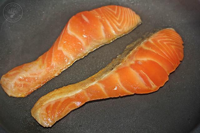 Salmón con lima y ensalada de naranja y pepino www.cocinandoentreolivos.com (12)