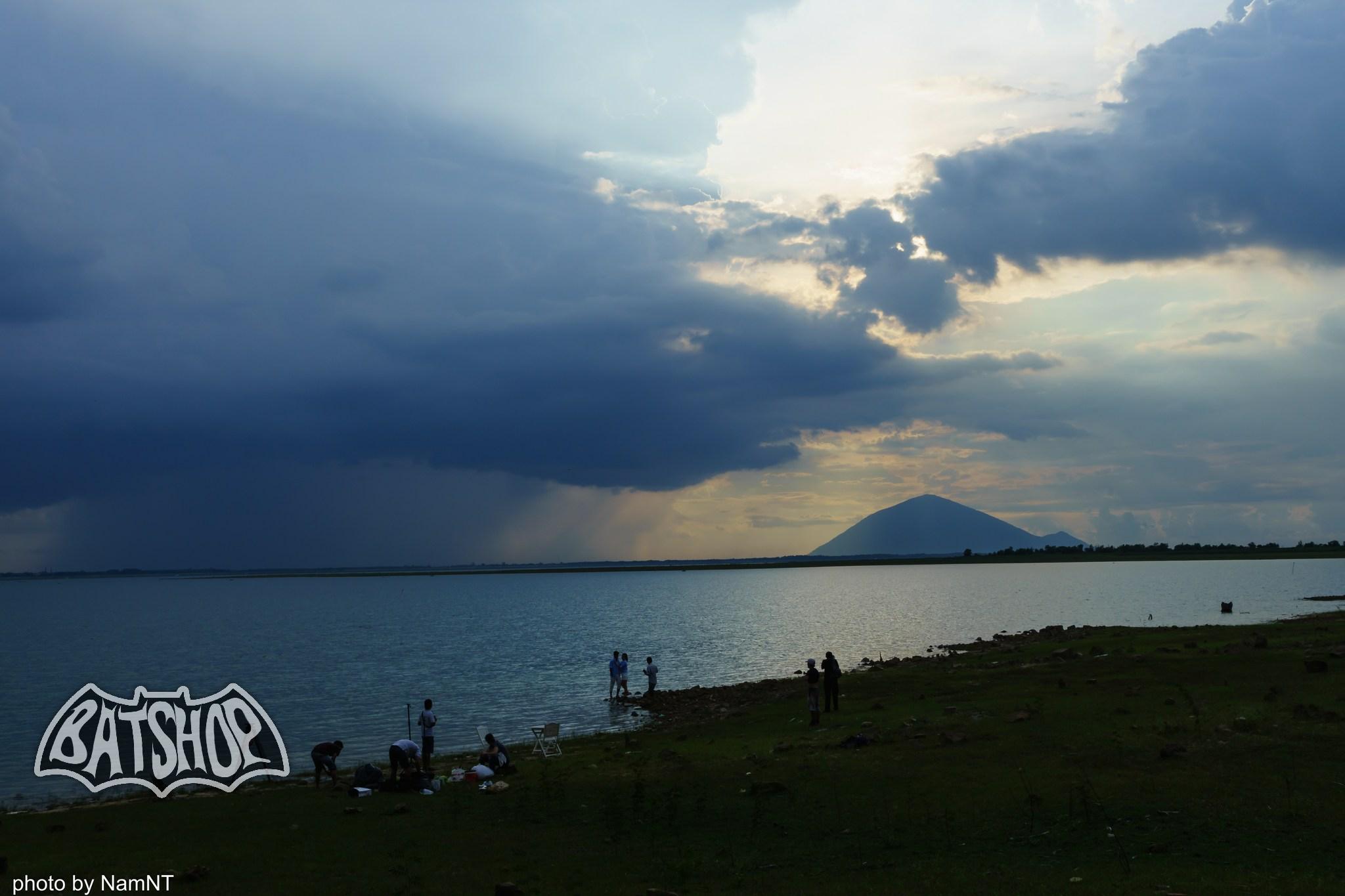 20026168553 6519a3ecda k - Hồ Cần Nôm-Dầu Tiếng chuyến đạp xe, băng rừng, leo núi, tắm hồ, mần gà