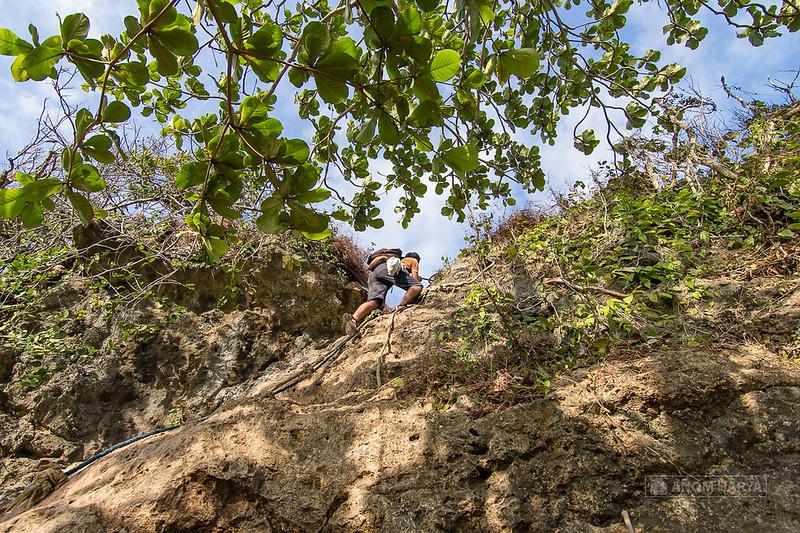Tracking menuju Bukit di Batu Bengkung