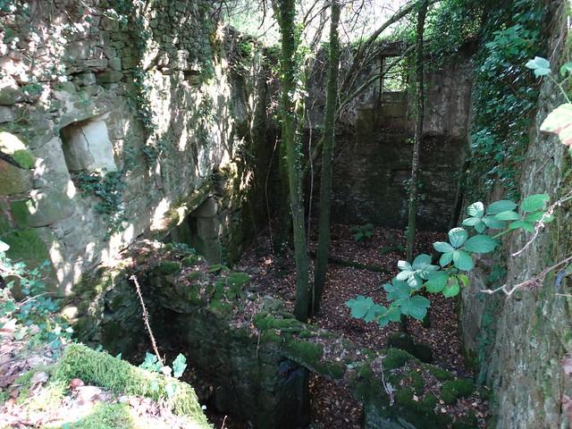 Ruinas de la Aldea abandonada de Vichocutín en Cerdedo