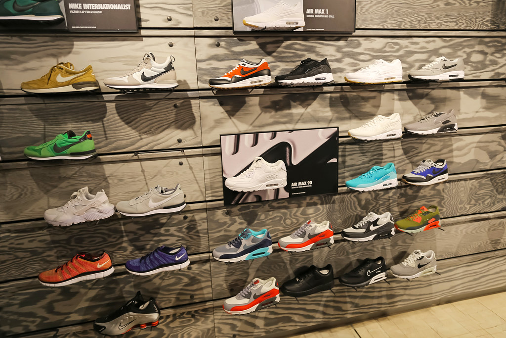 the latest 2d037 2e0d7 ... Niketown - New York City (USA)  by Meteorry
