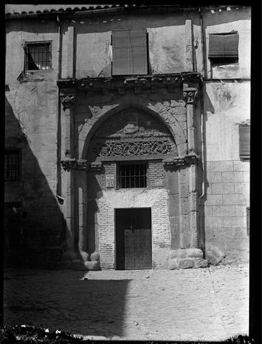 Palacio de los Toledo en Toledo hacia 1920. Fotografía de Enrique Guinea Maquíbar © Archivo Municipal de Vitoria-Gasteiz