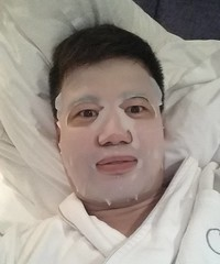After a week of speaking in Bangkok it is now time for Manila and nothing beats the #facemask from @medlinesongapore which keeps my face hydrated
