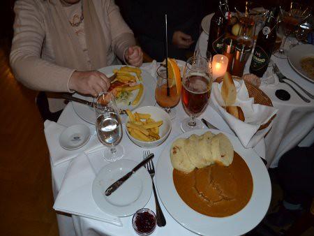 Cafe Imperial 1 Restaurante unde se mananca bine in Praga