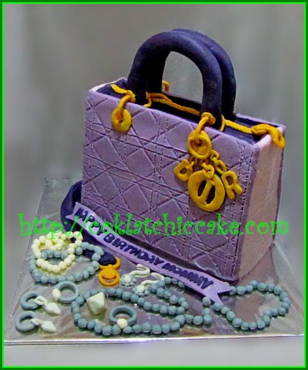 Cake Tas Dior dan perhiasan