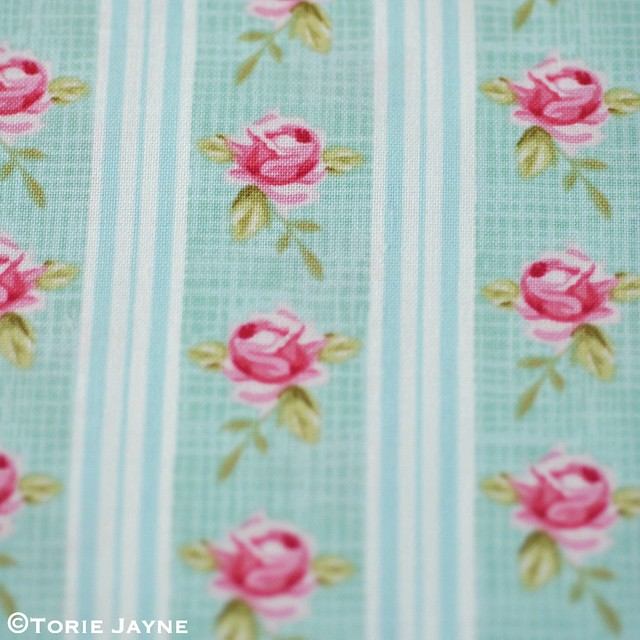 Tilda ' Winterbird ' Rose Stripe