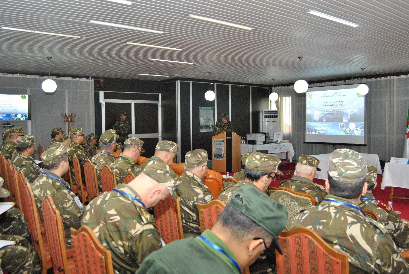 الجزائر : صلاحيات نائب وزير الدفاع الوطني - صفحة 5 30209062453_049b9284c9_o