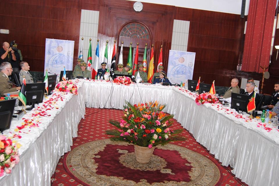الجزائر : صلاحيات نائب وزير الدفاع الوطني - صفحة 5 30743547426_851384106c_o