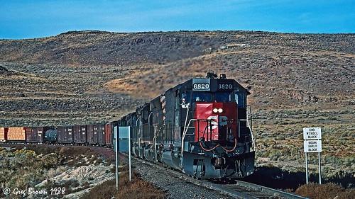 southernpacific sp spmodocline lassencounty california desert railroad trains timberindustry tunnelmotor sd45t2 emd