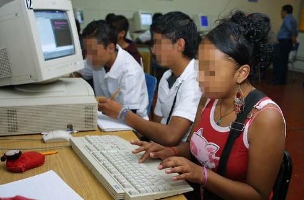 SCT y empresarios instalarán Internet en 7 mil 600 escuelas