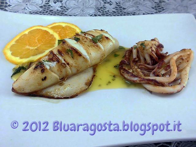 02-cannolo di calamaro ripieno di ricotta e arancia con salsa all'arancia