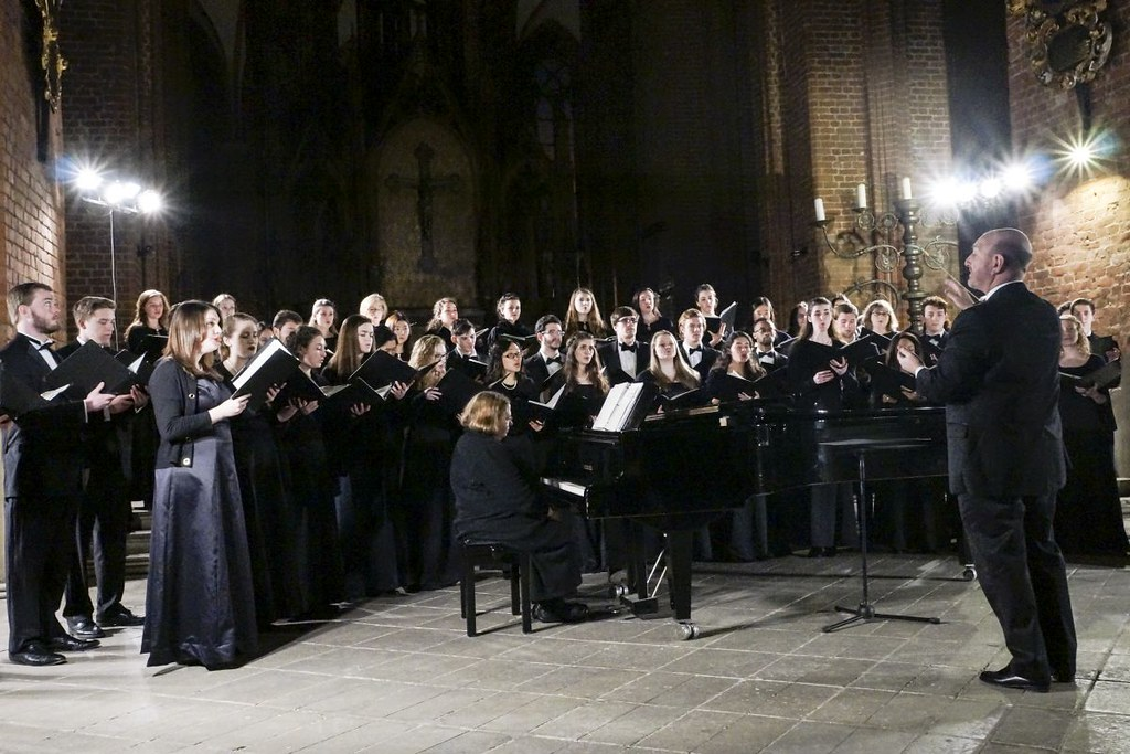 Richmond Schola Cantorum perform in St. Peter's Church in Riga, Latvia