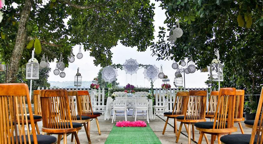 18 stylish budget hotels in bandung for under 36 stevie g wedding junglespirit Images