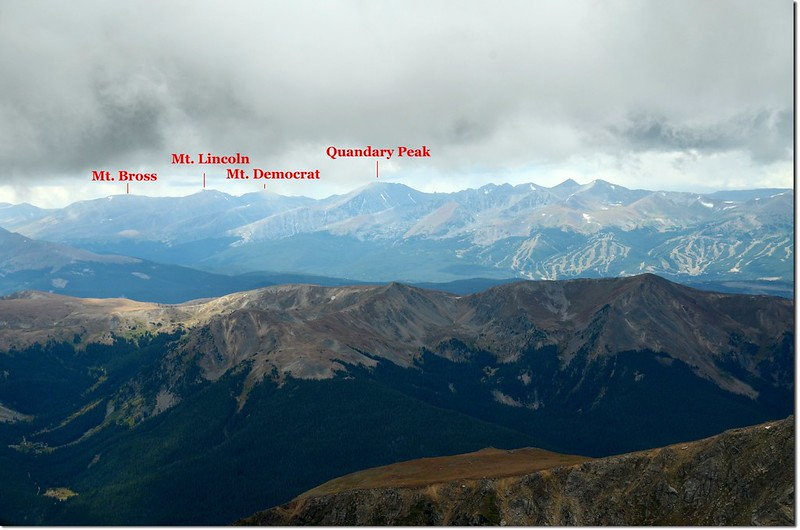 Quandary Peak seen from Grays' summit(M),Lincoln group is in the left(四座皆為14ers)