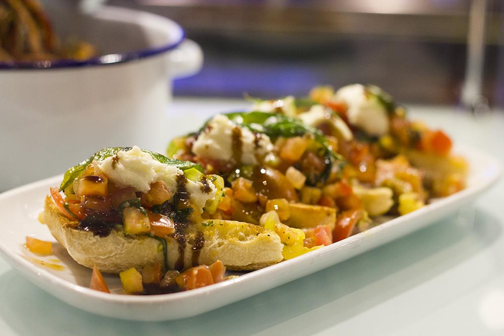 tomato-mozzarella-bruschetta-tgi-fridays