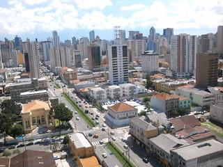 Prédios na avenida Visconde de Guarapuava em Curitiba, PR