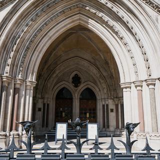 Immagine di Royal Courts of Justice vicino a Londra. england london buildings unitedkingdom gb