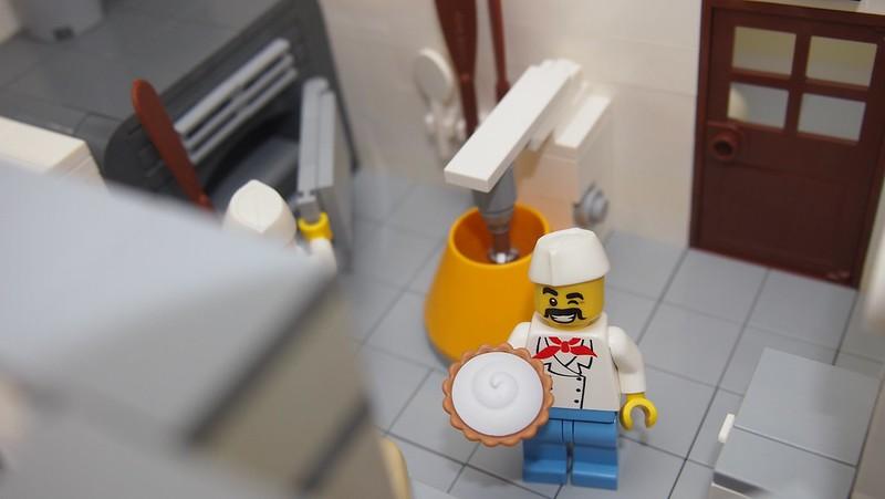 Alois mit Kuchen