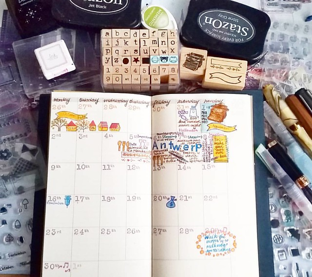 Off to a good start I think. Definitely fun to do. Also this monthly planner looks so good in my new blue edition Traveler's Notebook my sweetie got me from @misc_store_ams this weekend😀 #plannerlove #plannerlife #memento #rubberstamps #travelers