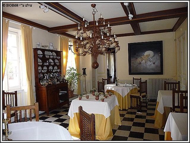 חדר האוכל של Domaine de Rasigous בצהריים לפני ההכנות לארוחת הערב
