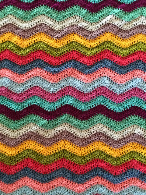 The Anna ripple is finally finished and has been given to my niece. My Mom has deemed it the most beautiful of blankets. ☺️