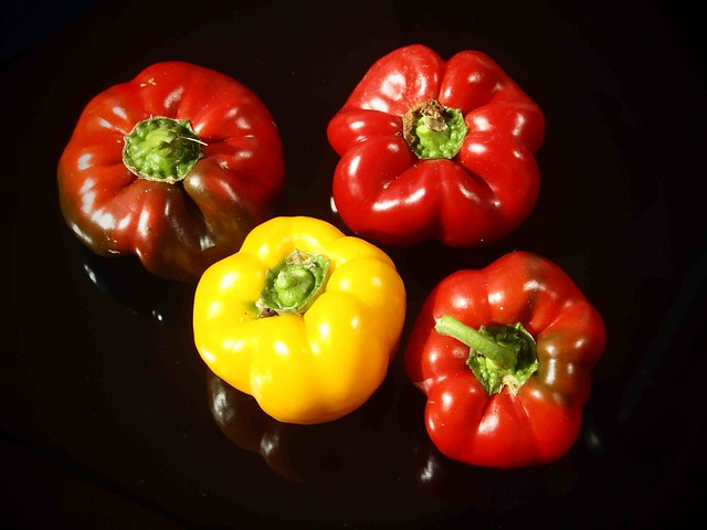 238 Red and yellow peppers