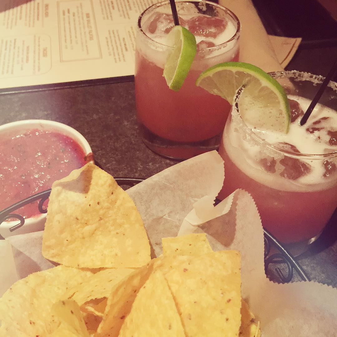 Blackberry basil margaritas and salsa and chips 🍹🍃 after seeing a friends art exhibit. #dontbejealous