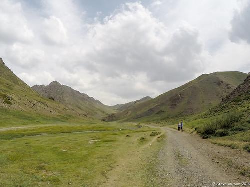 race running trail mongolia sunrisetosunset umnugovi