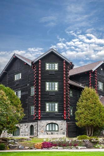 canada hotel quebec ottawariver travelandtourism lechateaumontebello logbuilt