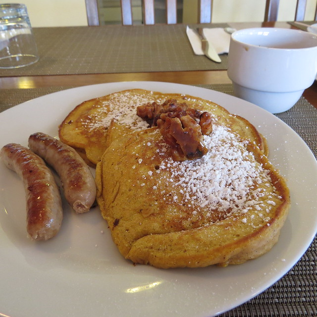 Breakfast at the Captain's Inn